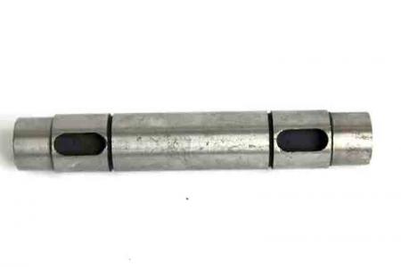 Вал промежуточный привода масляного насоса(шпонка) XT120