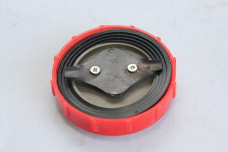 Крышка топливного бака (потайная горловина) R175/180