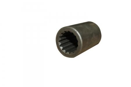 Втулка шлицевая привода переднего моста передняя (15шл Н=74мм) FT 240/244